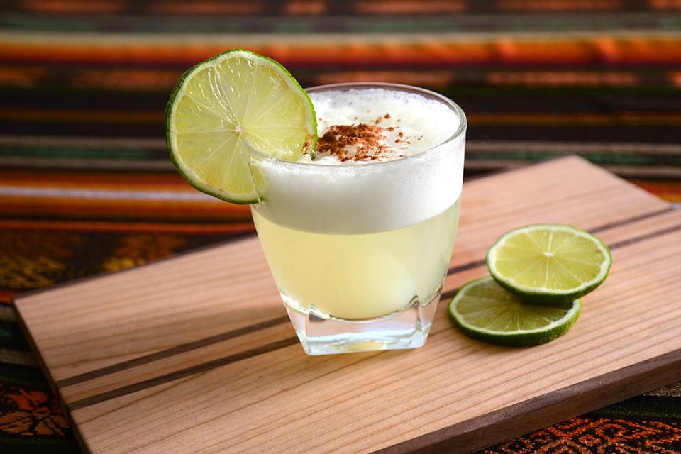 Pisco Sour – Kommt der beliebte Cocktail aus Chile oder Peru?