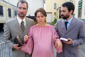 Karine und ihr Bruder mit Pastor Naldo