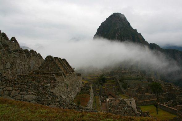 Machu Picchu in den Wolken