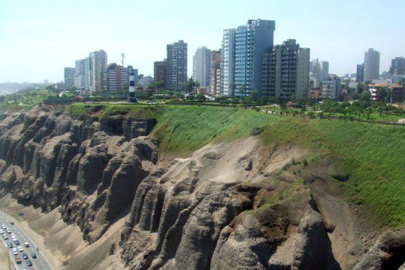 Steilküste in Miraflores, Lima