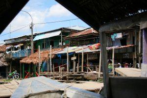 Am Hafen von Iquitos