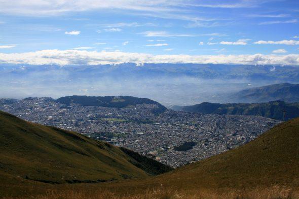 Aussicht vom Pichincha auf Quito, Ecuador