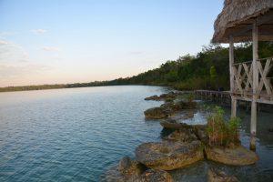 Sonnenaufgang an der Laguna Lachuá