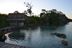 Sonnenuntergang an der Laguna Lachuá