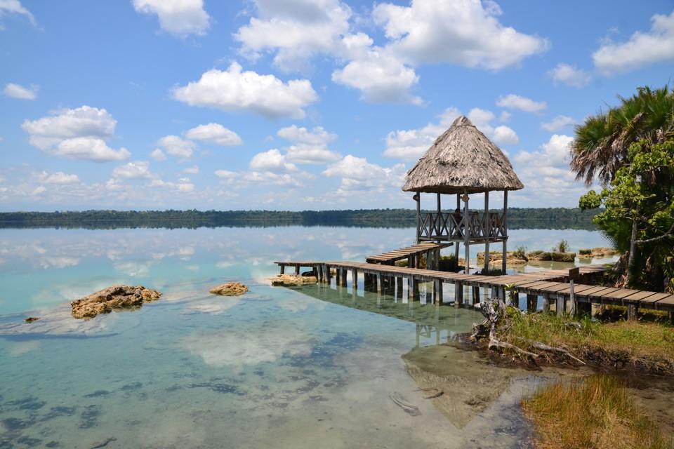 Das versteckte Paradies der Laguna Lachuá – ein Spiegel des Himmels