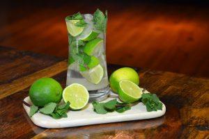Cocktail Mojito aus Kuba
