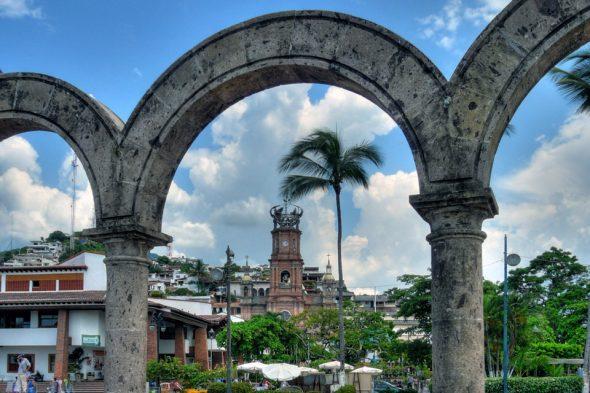 Stranbogen, Kirche – Puerto Vallarta