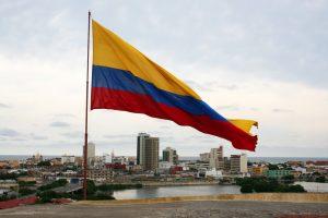 Kolumbiens Fahne über Cartagena