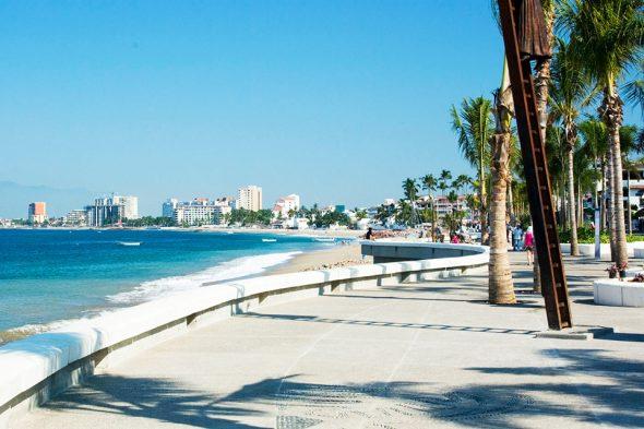Strandpromenade in Puerto Vallarta, Mexiko