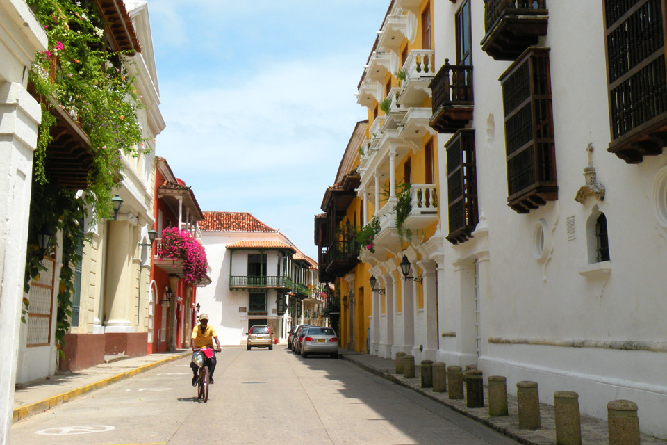 Gässchen in Cartagena, Kolumbien