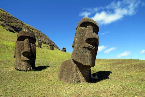 Rapa Nui, Moai