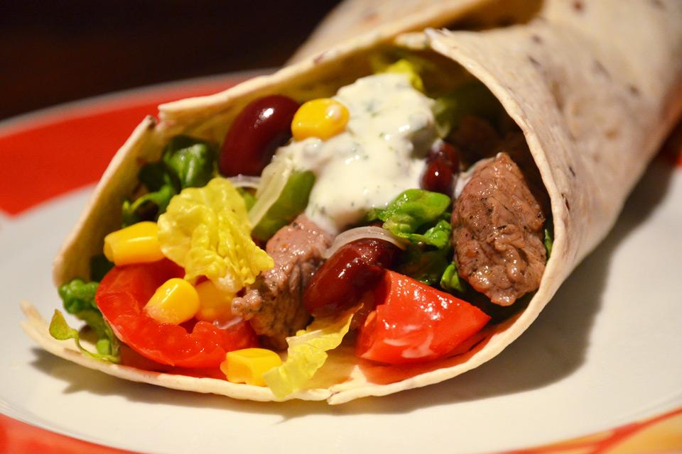 Gerollter, mexikanischer Burrito