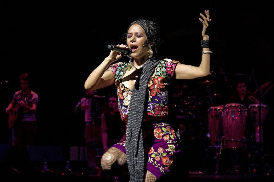 Lila Downs – Facettenreiche Sängerin aus Mexiko