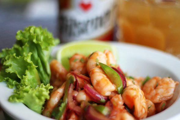 Ceviche mit Shrimps und Bier
