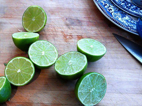 Saft aus frischen Limetten