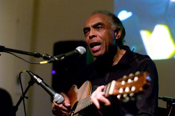 Gilberto Gil mit Gitarre