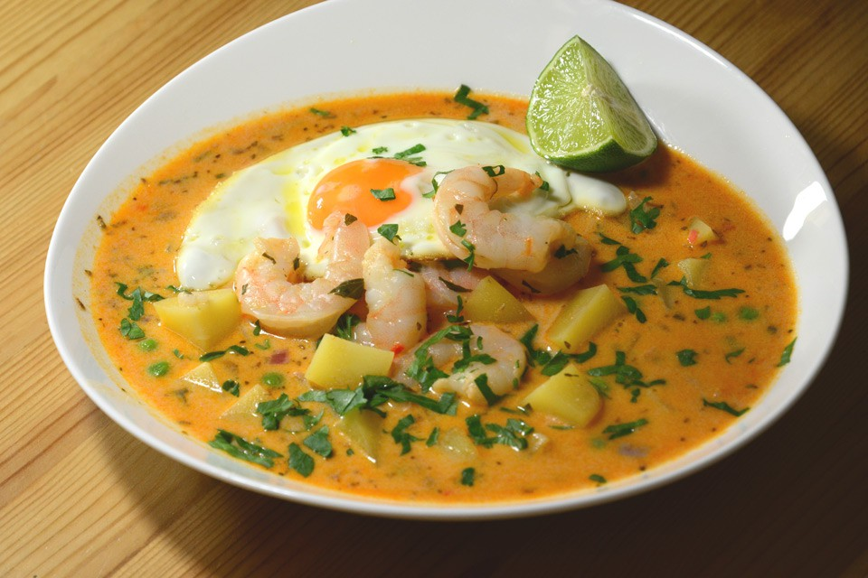 Chupe de Camarones – Original-Rezept der peruanischen Garnelen-Suppe