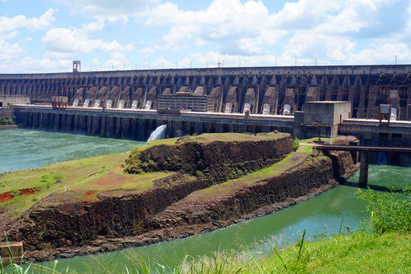 Itaipú-Staudamm in Paraguay