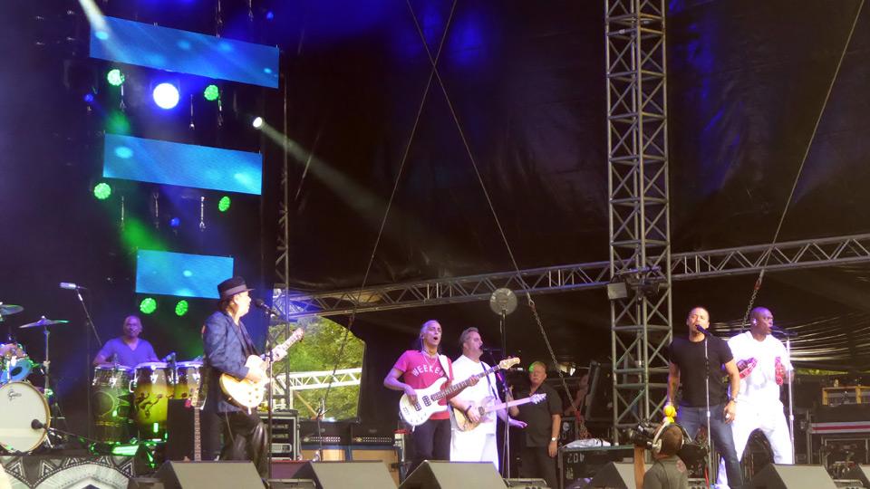 Santana – so, wie man sie sich wünscht (Konzertbericht)