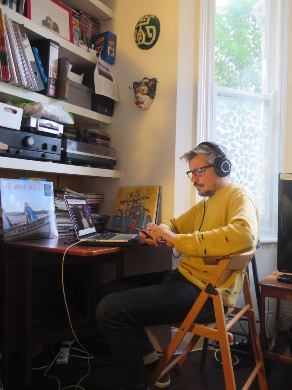 Lewis Robinson und sein Label Mais Um Discos zu Brasiliens Alternativszene